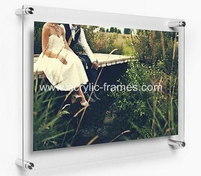 Plexiglass floating frame