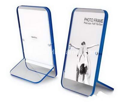 Plexiglass poster frame